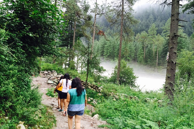 Kasol - Destinations in India for Women Solo Travelers