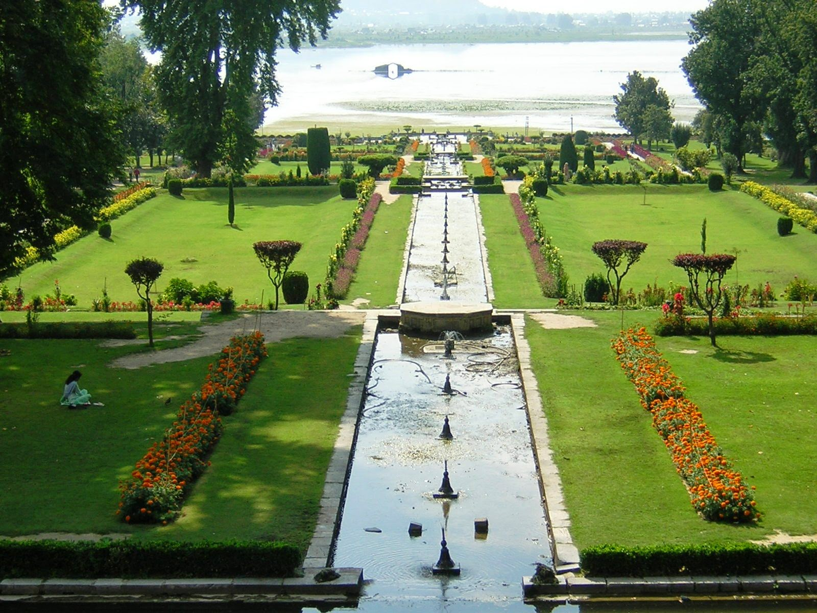 Places to Visit in India in Nishat Bagh