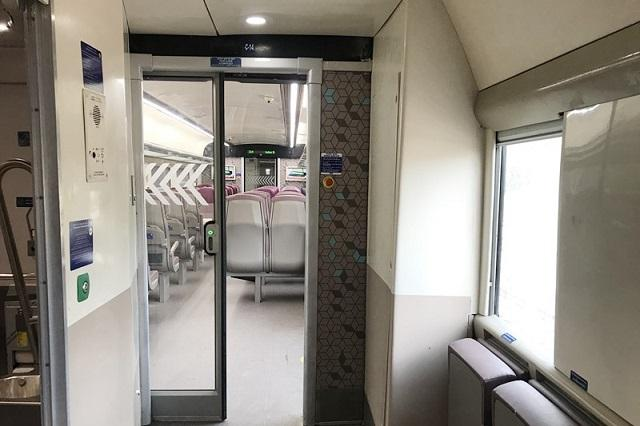 Vande Bharat Express: The doors between two coaches are automatic and on each door there is an optical sensor to help the visually challenged passengers.