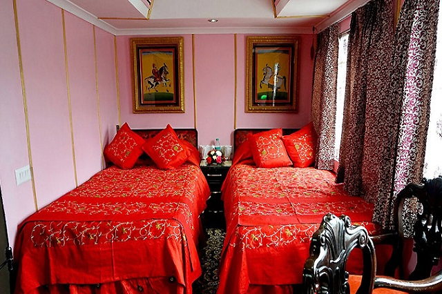 palace on wheels deluxe cabins