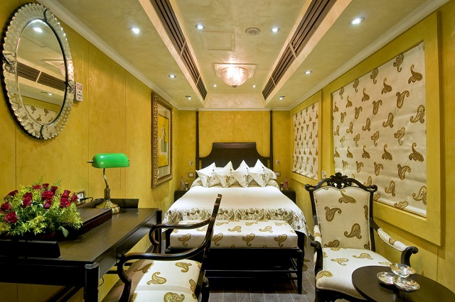 palace on wheels super deluxe suite