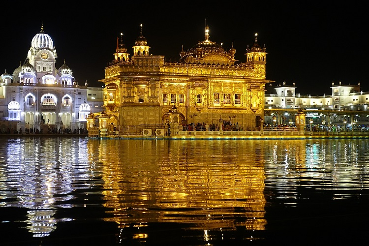 Visit the Golden Temple in Amritsar