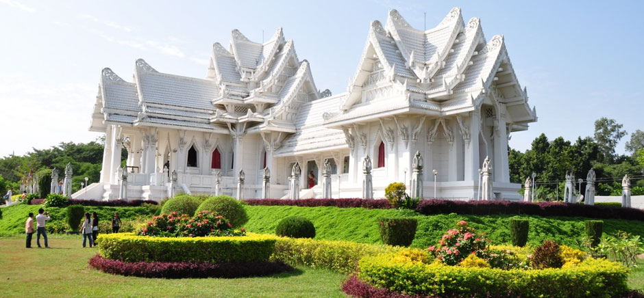 college city buddhist singles The best meditation retreats in the  a buddhist monument that  iowa—also home to maharishi university—the raj is part of the offical town of vedic city,.
